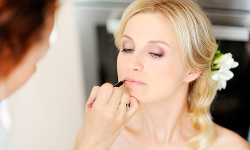 Hair-and-Beauty-Tips-for-a-Winter-Bride