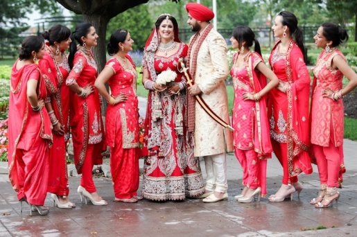 Sisters-and-Friends-at-Indian-Weddings