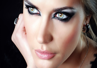 Use-heavy-eye-makeup