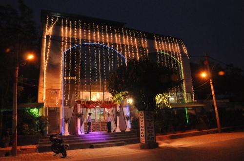 Govindam Banquet