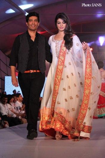 fashion-designer-india.jpg