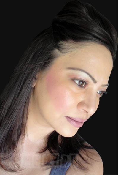 Alifiya-Roshan-makeup-artsit